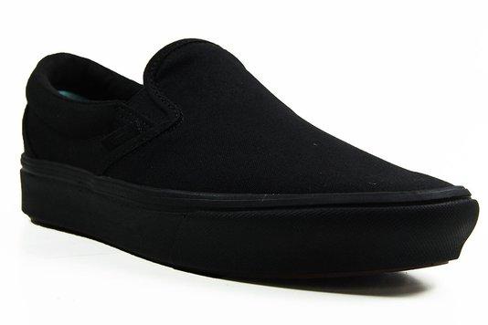 Tênis Feminino Vans Comfy Cush Slip-On super leve por conta da sua tecnologia ComfyCush - Black/Black